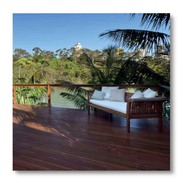 Vernici legno per esterno: soluzioni per arredo e decking