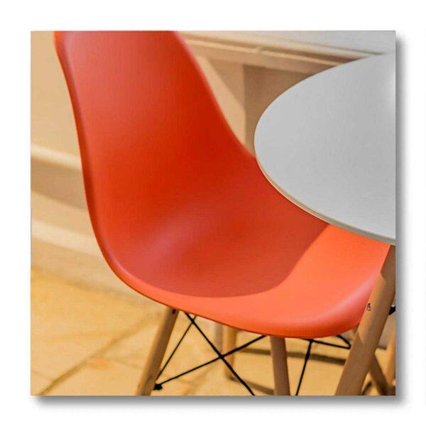 Vernice per sedia e arredo in plastica